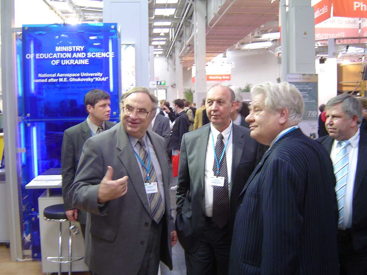 Prof. A.I.Petrenko (to the left) at the International Exhibition in particular, СeBIT-09